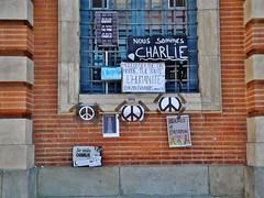 """02 - """"Nous sommes Charlie"""" (12/01/15) (AMToulouse) Tags: toulouse placeducapitole archivesmunicipales jesuischarlie 13novembre2015 tmoignagesattentats"""