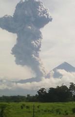 010716 Erupcin Santiaguito 01 (Coordinadora Nacional para Reduccin de Desastres) Tags: guatemala volcn medioambiente quetzaltenango santiaguito erupcin conred