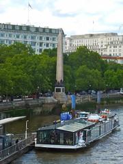 P1140467  Cleopatra's Needle (londonconstant) Tags: england london architecture londra streetscapes promenades londonconstant costilondra