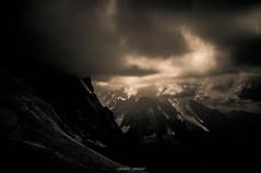 Massif du Mont Blanc dans les Tnbres (Frdric Fossard) Tags: texture nature montagne alpes lumire grain ombre glacier sombre nuage paysage orage ambiance hautesavoie tnbres dramatique atmosphre luminosit massifdumontblanc