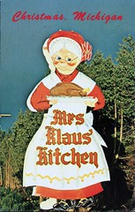 Mrs. Klaus' Kitchen & Gift Shop, Christmas, Michigan (SwellMap) Tags: road signs monument public sign vintage advertising design 60s highway gate arch fifties message postcard suburbia entrance style kitsch retro billboard route nostalgia chrome freeway gateway billboards americana 50s lettering welcome roadside populuxe sixties babyboomer consumer coldwar midcentury spaceage atomicage archwaypc