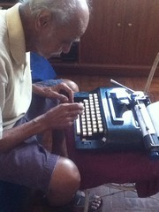 Pgina 134 de 365 (ThamiRamalho) Tags: typewriter project photo grandfather 365 project365 365days 365project 365photo 365photos projeto365 365projeto uploaded:by=flickrmobile flickriosapp:filter=nofilter