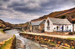 Boscastle (Shertila Tony) Tags: panorama weather clouds river europe cornwall day village cloudy britain scenic overcast hills valley nationaltrust hdr boscastle rivervalency valencyvalley forraburyandminster