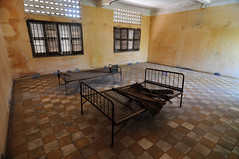 Tuol Sleng Genocide Museum (Andreas Mezger - Art Photography) Tags: andy water beautiful museum dave wonderful germany landscape bavaria photography amazing nice nikon kitten asia asien cambodia kambodscha sdostasien nirvana south great sigma images andreas best east tokina professional business pot most excellent buy getty worst manual nikkor sell genocide better nofx impressive ost phnom gettyimages penh pol highest kant grohl d300 sd junip d90 mezger superlativ andreasmezger