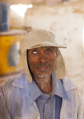 One Eyed Man In A Mill, Dekemhare, Eritrea (Eric Lafforgue) Tags: africa portrait people men vertical outdoors photography adult males adultsonly oneperson ethnicity onepeople eritrea hornofafrica headandshoulders senioradult realpeople colorimage lookingatcamera dekemhare eritreo erytrea eritreia colourimage africanethnicity 1people  africanculture ertra    eritre eritreja eritria  rythre africaorientaleitaliana     eritre eritrja  eritreya  erythraa erytreja     ert6734