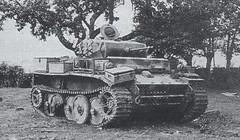 """Tanque ligero Panzer II """"Luchs"""" usado como tanque de reconocimiento (armado con un cañón automático de 20 mm) en Normandia 1944"""