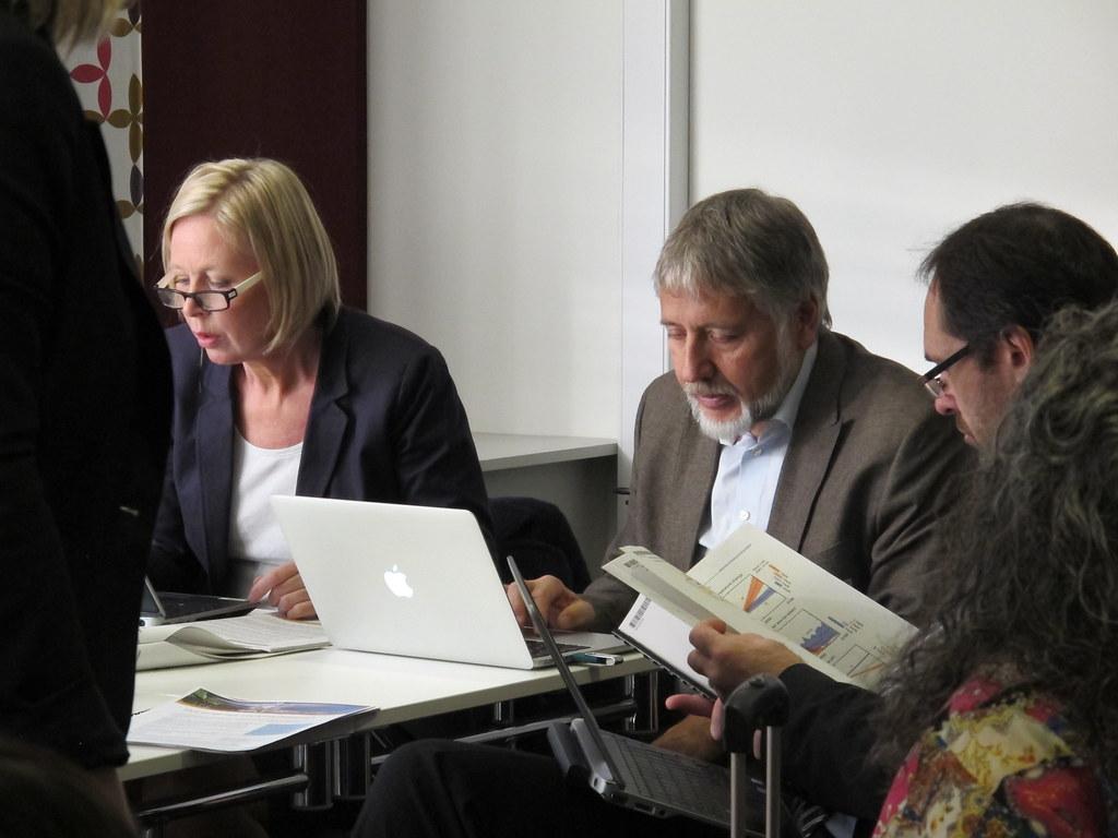Cecilie Mauritzen, Eystein Jansen, Jan Gunnar Winther forbereder seg til pressekonferansen