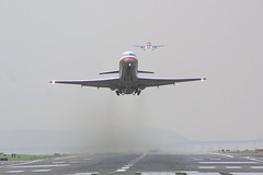 (z5mecha123) Tags: airplane washington airport aircraft aviation jet f100 american airlines dca runway canond30 stockphoto fokker reagannational kdca 110959 bruceleibowitz n1401g flickrandroidapp:filter=none