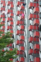 (joyrex) Tags: red color colour green colors architecture vakantie singapore asia groen colours rood architectuur azië kleur kleuren