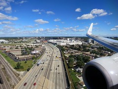 Chicago, IL (LAXFlyer) Tags: chicago airport view wing ohare landing american winglet approach airlines americanairlines aa