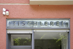 Tischlerei (Florian Hardwig) Tags: berlin schneberg storefront lettering join