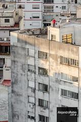 Si ya ests en la azotea... (.Alejandro Rubio.) Tags: man building tower rooftop argentina argentine atardecer buenosaires edificio edge hombre terraza alerubio corniza