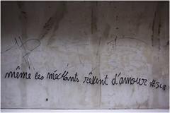 . (an to nin) Tags: paris tag mtro amour graphiti mur mtroparisien