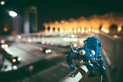 Tachikoma in the night (sechsterangriff) Tags: urban portugal night nightshot bokeh lisboa overpass gits manual ghostintheshell plamo plasticmodel tachikoma revoltech jfigure ilce6000 sonya6000 samyang12mm