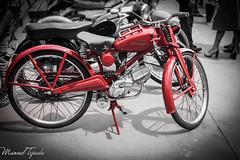 Moto Guzzi Hispania 65cc - 1953 (Manu Tejada) Tags: barcelona auto bw classic cars blanco car del canon eos model y negro vehicles moto bici motor catalunya 1953 guzzi motocicleta vehiculos valles epoca 500d hispania montornes vehculo clasicos 65cc
