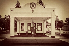 You Can Trust Your Car... (EdBob) Tags: old blackandwhite bw usa classic sepia rural america vintage countryside blackwhite washington antique country gasstation pump petrol texaco washingtonstate fuel gaspump palouse rosalia fillingstation easternwashington fossilfuel edmundlowe edmundlowephotography allmyphotographsarecopyrightedandallrightsreservednoneofthesephotosmaybereproducedandorusedinanyformofpublicationprintortheinternetwithoutmywrittenpermission