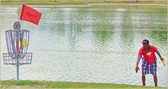 Philo Brathwaite Putting 7 (AJVaughn.com) Tags: fountain grass alan del golf james j championship jump memorial fiesta tour camino outdoor lakes beta hills national vista scottsdale disc vaughn foutain pdga 2016 ajvaughn ajvaughncom alanjv
