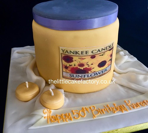 Sunflower Yankee Candle Cake Email Or Call Us 01708753940 Salesthelittlecakefactoryco