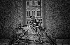 memorial (Erwin Vindl) Tags: vienna blackandwhite bw monochrome memorial candid streetphotography streettogs erwinvindl olympusomd em10markii