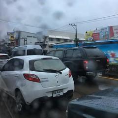 #ขอนแก่น #เมืองท่องเที่ยวหลักแห่งใหม่ #ไฟแดงเยอะ #รถก็มาก #ฝนตก #รถติด #เหมือนกรุงเทพเมืองฟ้าอมร