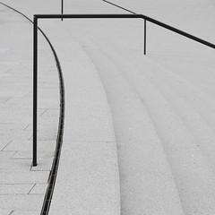 Versperrte Treppe (alte_eule) Tags: detail stairs treppe architektur banister stufen gelnder minimalismus