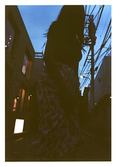 y001 (sudoTakeshi) Tags: street film fashion japan 35mm tokyo evening model pentax takumar kodak harajuku spotmatic filmcamera portra kodakfilm   pentaxsp kodakportra  pentaxspotmatic   kodakportra160  19
