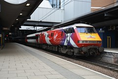 """Virgin Trains East Coast Class 91/1, 91101 """"Flying Scotsman"""" (37190 """"Dalzell"""") Tags: redwhite leeds modified electra saltaire eastcoast swoosh flyingscotsman virgintrains standrew vtec 91101 91001 class91 intercity225 acelectric class911 brelcrewe doncasterrebuild"""