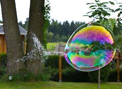 ----(( Splash (ElbSachse) Tags: color canon is usm splash seifenblase ef35 platzen