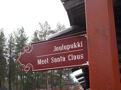 Meet...er war da! (schremser) Tags: finnland lappland rovaniemi weihnachtsmanndorf wegweiser treffpunkt