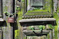 Symi - Dj vu (Docaron) Tags: grce greece dodcanse dodecaneseislands merege egeansea symi      dominiquecaron porte door cadenas serrure lock vert green couleurs colors colours