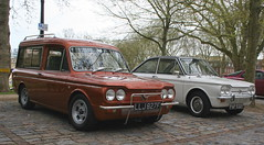 1967 HILLMAN HUSKY ESTATE - 1968 SUNBEAM STILETTO (shagracer) Tags: classic cars car automobile husky estate group singer vehicle british chrysler van stiletto imp sunbeam hillman rootes llj827f pap532f