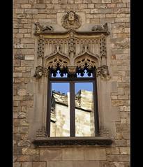Finestra a la casa dels Canonges (PCB75) Tags: barcelona window ventana catalonia finestra catalunya fenêtre ciutat catalogna barrigòtic catalogne carrerdelapietat casadelscanonges