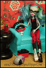 School Night (DollsinDystopia) Tags: diorama ghoulia monsterhigh