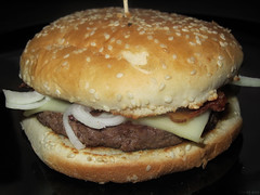 Onion ranch bacon cheeseburger (Coyoty) Tags: ranch food college cheese bacon cafe connecticut beef burger sesame ct sandwich dressing meat seeds cheeseburger hamburger roll onion farmington cornercafe tunxiscommunitycollege