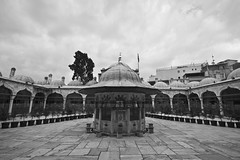 Sokullu Mehmet Pasa courtyard (Bahanick --(Next upload: Istanbul shots)) Tags: camera blue original light tower art colors up look composition contrast turkey dark for reflex raw torre foto with arte bright image sofia good picture shapes istanbul palace mosque spices egyptian saturation su ottoman bazaar visual emotions per curiosity colori topkapi harem con luce bosphorus romanic minarets cistern forme sensation galata hagia riflesso moschea composizione scuro sensazioni immagine turchia emozioni suleymaniye chiaro bosforo tonality costantinopoli egizio bisanzio visivo solimano