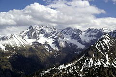 clouds above The Alps (serni) Tags: snow mountains alps clouds germany bayern bavaria sneeuw wolken bergen alpen duitsland oberstdorf bavarianalps serni fellhornbahn