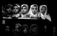 (kooshii) Tags: analog کرمان kerman بازار نگاه چشم مانکن حجاب روسری سیاه سفید سیاهوسفید سر بینی آنالوگ