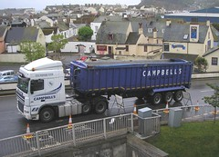 """Campbell's"" - 2 (Sir Hectimere) Tags: campbells roadtransport heavyhaulage commercialvehicles articulatedlorries haulagecontractors heavylorries portofteignmouth bamptoncattletransport"