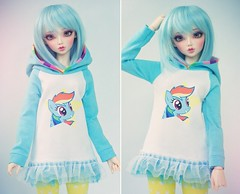 Rainbow Dash Hoodie (Cyristine) Tags: girl ball hoodie rainbow doll slim sd dash bjd mlp msd jointed unoa sd13 yosd minifee