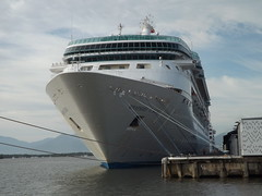 Rhapsody of the Seas cruise ship at Cairns (miledorcha) Tags: cruise holidays ship harbour royal australia international queensland caribbean cairns cruises berth rhapsodyoftheseas visionclass