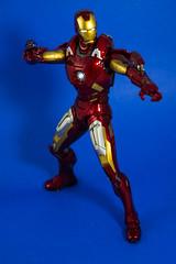 DSC_4458 (Quantum Stalker) Tags: man hot scale movie toys lights iron arc battle ironman tony led figure damage accessories 16 stark blast reactor avengers repulsor