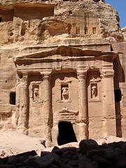 Tomb of the Roman Soldier in Petra or Rose City (Jordan) (|kris|) Tags: tomb petra unesco jordan faade rosecity tomboftheromansoldier vision:text=067