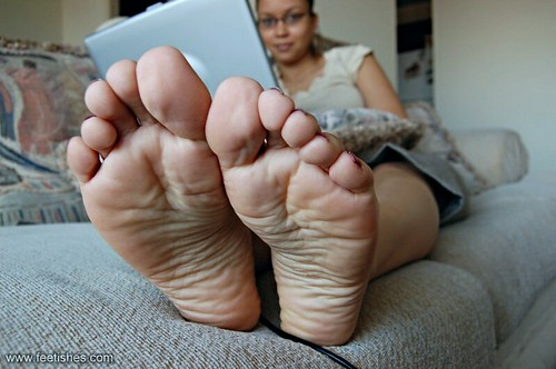 Ebony foot show