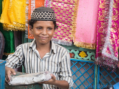 A lovely boy  Un charmant garon Gwalior --India (geolis06) Tags: voyage travel boy india asia asie gwalior garon inde madhyapradesh geolis06 geoli06 gwaliorfortress gwlaliorstreet ruedegwalior indianchildenfant