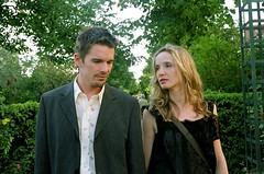 Before Sunrise (2004) เหมือนตื่นจากฝันในภาคที่แล้วมาเจอความจริง / ที่สองคนนี้คุยกันนี่ยังกับอัลบั้มรวมฮิตเพลงอกหัก รักไม่สมหวัง / ภาคนี้มีฉากประทับใจแค่ตอนนางเอกเล่นกีต้าร์ฉากเดียว (หรือมีแปรีสเป็นฉากหลังก็พอแล้ววะ) / long take ดูเพลินจนลืมว่ามันเป็น long