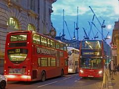 Threadneedle Street (Taysider64) Tags: city urban london buses twilight dusk streetscene cranes cityoflondon arriva enviro400 lj59lza lj59lyg