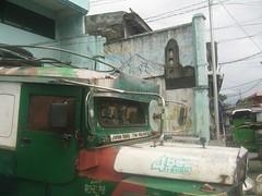 Grüne Stunde (momentmal) Tags: pilar philippines jeepney legazpi