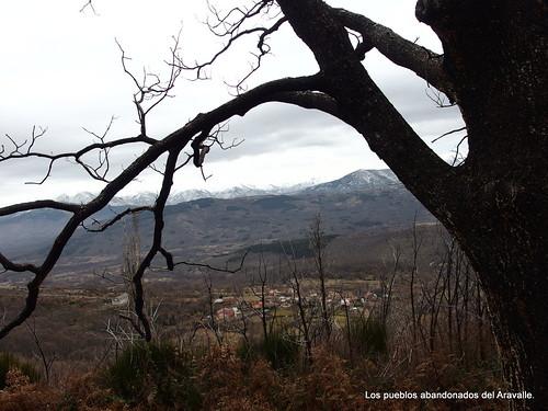 MARCHA-371-los-pueblos-abandonados-valle-de-aravalle-avila-senderismo (19)