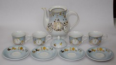 Cinderella Limited Edition Fine China Tea Set - Live Action Film - US Disney Store Purchase - Deboxed - Contents - Full Front View (drj1828) Tags: china cup set us tea pot cinderella purchase limitededition saucer loose disneystore deboxed liveactionfilm le3000