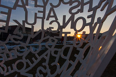 Sunset and Letters (Phil Roeder) Tags: sculpture iowa desmoines desmoinesartcenter canon15mmf28 pappajohnsculpturepark